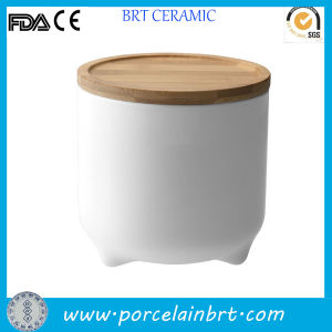 White Ceramic Cute Design Storage Jar for Cookie pictures & photos