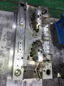 Injection Mold for Truck Parts pictures & photos