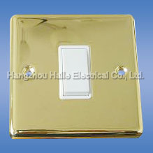 Electrical Switch (UK Standard) pictures & photos