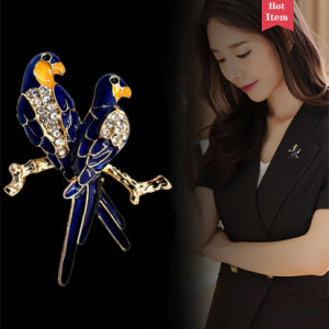 Factory Wholesale Bird Brooch with Reistones 35X47mm
