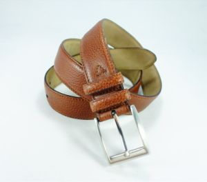 Fashion Men′s Leather Belt with Pin Buckle (EU2747-33)