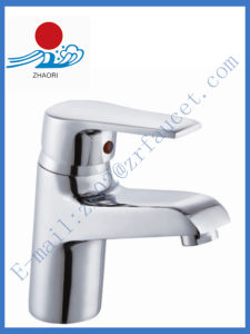 Single Handle Brass Basin Faucet in Sanitary Ware (ZR20902)