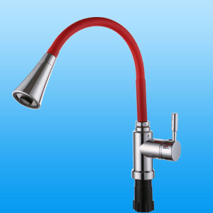 Zinc Alloy Universal Pipe Tap (YSQ005-1G) pictures & photos