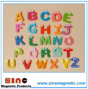 Educational Wooden Alphabet Fridge Magnet pictures & photos