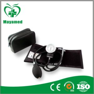 My-G016 Medical Palm Aneroid Sphygmomanometer pictures & photos