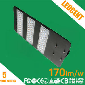 IP67 Ik08 Ce RoHS FCC Listed LED Street Light with 5 Years Warranty pictures & photos