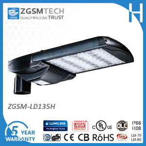 135W IP66 LED Street Lamp with Daylight Sensor pictures & photos