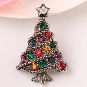 Delicate Green Colored Enamel Elements Christmas Lovely Brooch Christmas Gift Full Crystal Jjewelry Tree Style Chamrs Hot Sale