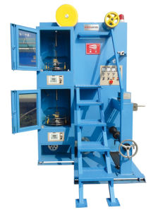 Vertical Wrapping Machine (FPLM) /Vertical Wrapping Machine (FPLM) pictures & photos