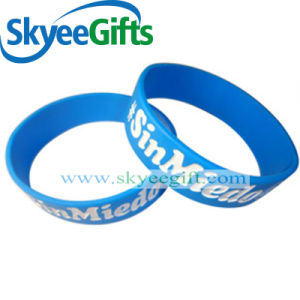 Customized Debossed Silicone Logo Wristabnds for Promotional Gift pictures & photos