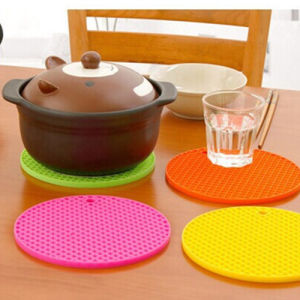 Creative Silicone Table Dish Bowl Mats pictures & photos