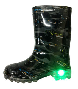 Kids PVC Rain Boots with LED Lights pictures & photos