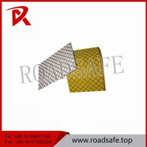 2.2mm Thickness Safe Product Thermoplastic Adhesive Road Reflective pictures & photos