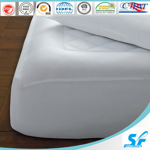 Hot-Selling Custom 180GSM Hollow Fiber Mattress Protector pictures & photos
