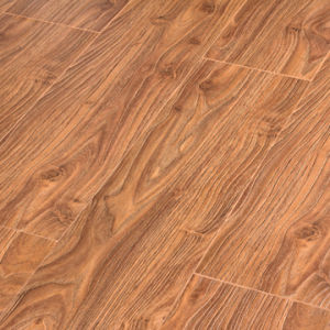 Southern American Teak Laminate Flooring pictures & photos