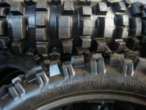 Motorcycle Tires (410-18, 90/100-16) pictures & photos