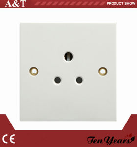 CE Approved 250V 5A Round Pin Unswitched Socket Outlet