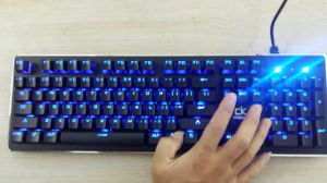 LED Backlit USB Wired RGB Mechanical Gaming Keyboard pictures & photos