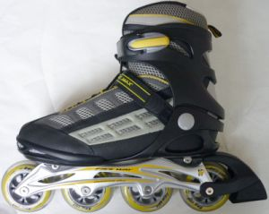 Strengthen The Aluminum Chassis Adjustable Inline Skates pictures & photos