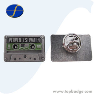 Wholesale Promotional Custom Made Enamel Finland Pin Badge (FTBG1196A) pictures & photos