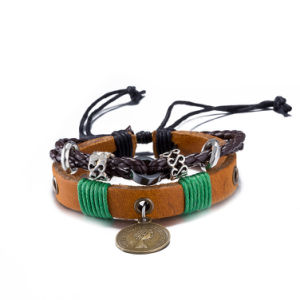 Adjustable Beaded Skull Multilayer Leather Bracelet Imitation Jewelry pictures & photos