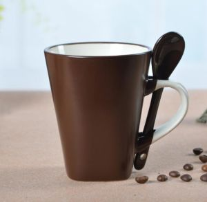 Wholesale Stoneware Hand Painted Coffee Mugs with Spoon in Liling Factory
