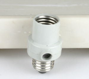 Round E27LED Lamp Screw Base Halogen Bulb Holder Converter Bulb pictures & photos