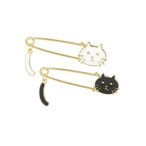 Cute Brooches Black White Cats Oil Drop Enamel Exquisite Brooch Pins Fashion Jewelry