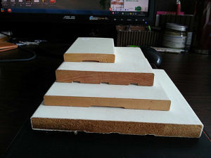 Flooring Raditate Pine Wood Finger Joint Rectangle White Painted Base Board Moulding pictures & photos