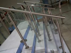 Atainless Steel Handrail Balustrades (CO-1075) pictures & photos