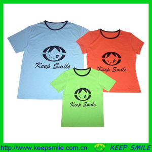 Customized Fashion Family T-Shirts with Logos on Chest pictures & photos