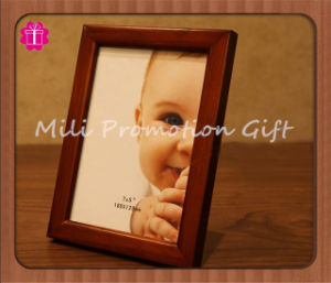 Hot Sell Wooden Color Puzzle Collage Photo Frame for Wedding Decoration pictures & photos