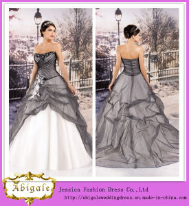 2014 Charming Ball Gown Strapless Sleeveless Floor Length Black and White Ball Gown Wedding Dresses (hs028)