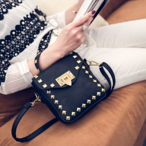 Korean Fashion Retro Rivets Personalized Lock Handbag Shoulder Messenger Small Square Bag pictures & photos