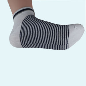 0b49c2881 China High Qualtiy Custom Socks Fancy Knee High Socks Compression ...