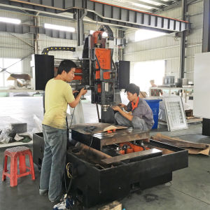 CNC Engraving Machinig Center pictures & photos