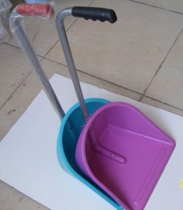 Pink Horse Grooming Scoop for Cleaning (SM6600) pictures & photos