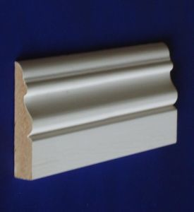 Finger Joint Primed Pine Parquet Timber Skirting Board pictures & photos