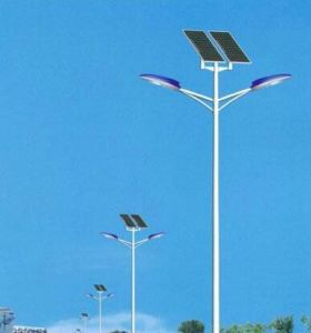 Double Lamps Solar Powered LED Street Lights for Road Path Garden Square pictures & photos