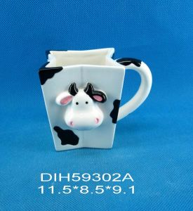 Hand-Painted Ceramic Cow Coffee/Tea Mug pictures & photos