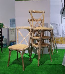 Oak Wood Stackable Cross Back Chair pictures & photos