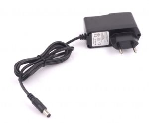 Universal Us UK EU Power Adapter 8.4V 1A Charger pictures & photos