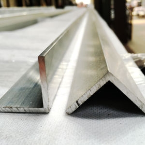 Extrusion/Extruded Aluminium Profile with Right Angle pictures & photos
