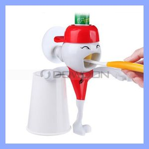 New Arrival Bathroom Automatic Toothpaste Dispenser Brushing Cup Set pictures & photos