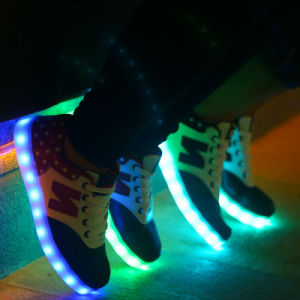 Factory Price PU Upper Material LED Shoes with Light up LED