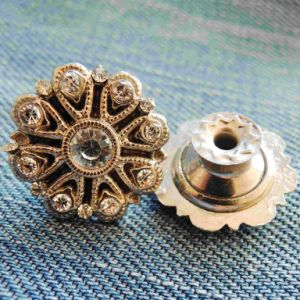 Rhinestone Jeans Button for Garment (SK00438) pictures & photos