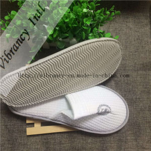 Waffle White Disposable Embroidered Slippers pictures & photos