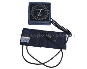 Medical Desk Type Aneroid Sphygmomanometer pictures & photos