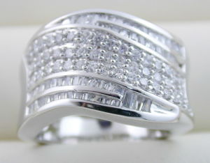 10K White Gold Ring With Zircon (LRG1240) pictures & photos
