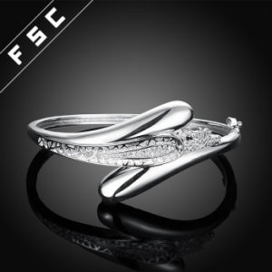 Fashion Cubic Zirconia Bangle Cuff Bracelet for Women Birthday Gifts pictures & photos